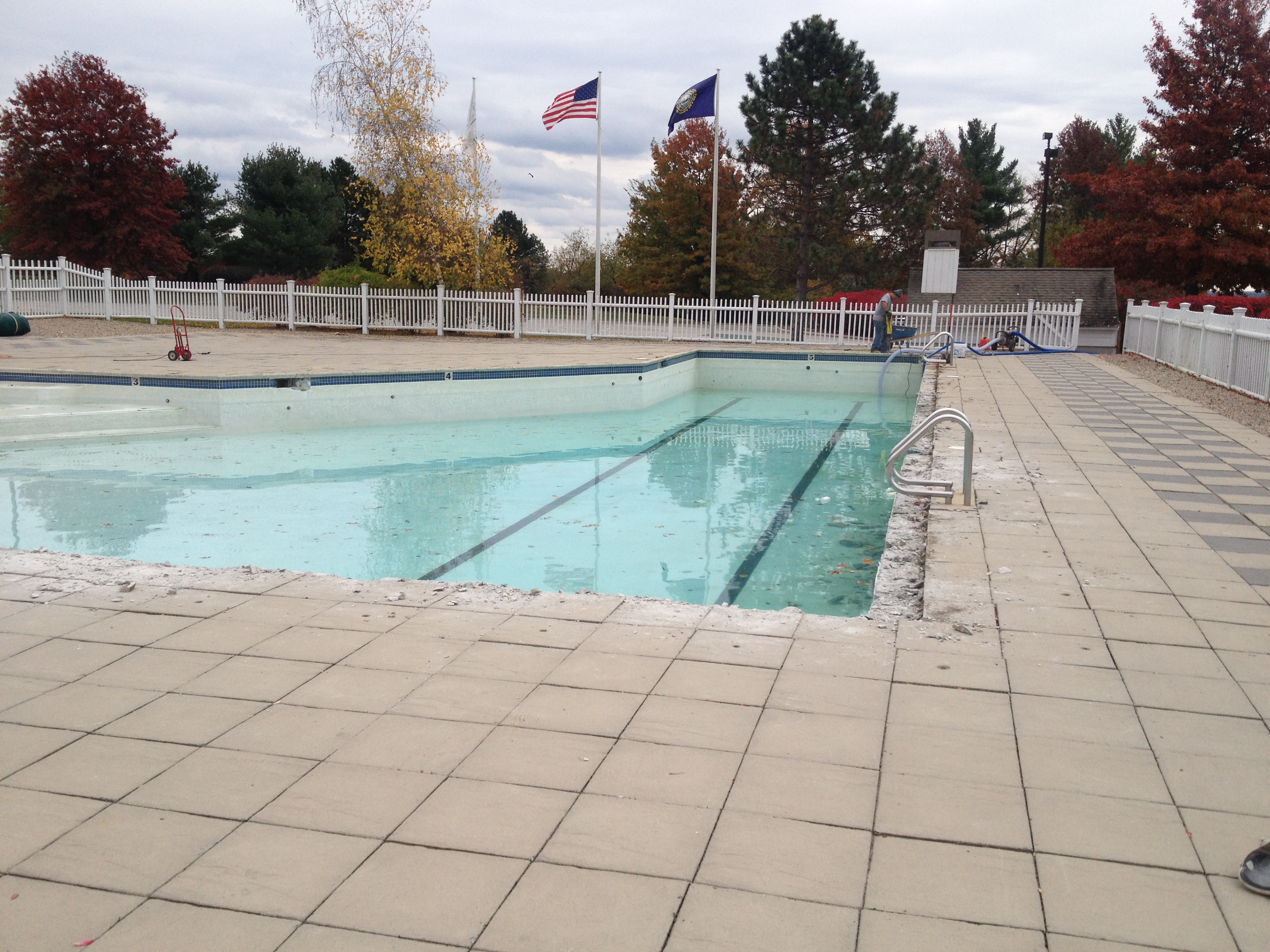 Commercial pool repair at skymeadow country club nashua nh for Affordable pools ma
