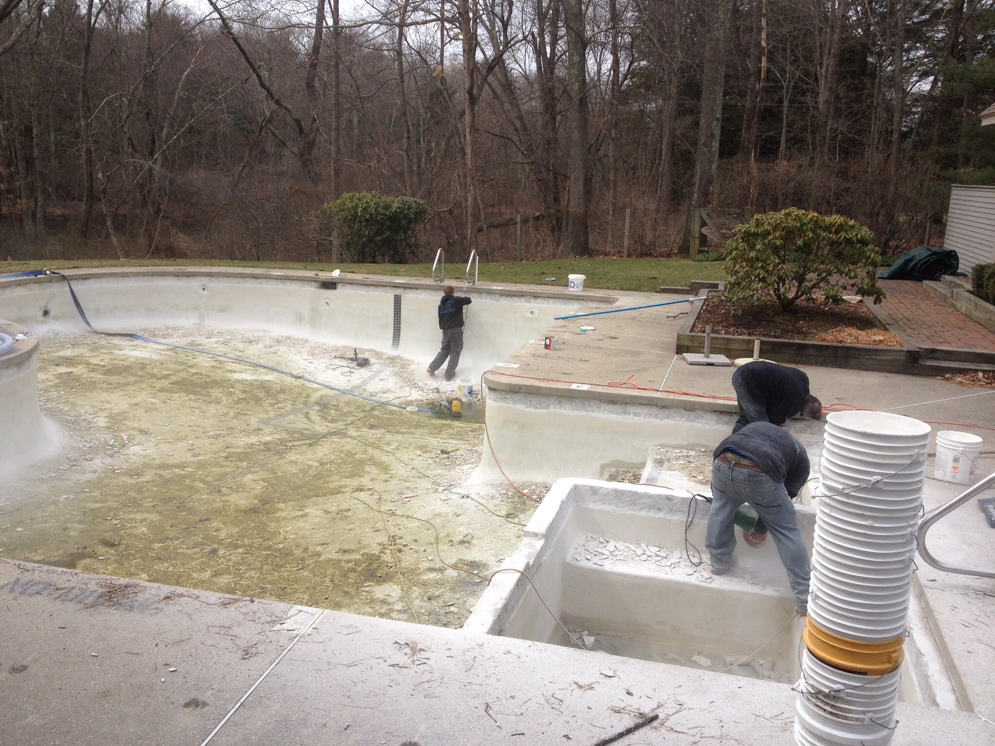 Gunite swimming pool remodeling natick massachusetts for Affordable pools ma